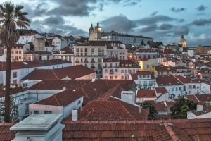 Walking Tour Around Alfama